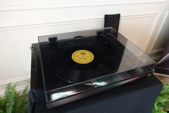 CES Coverage Sony Turntable - 1